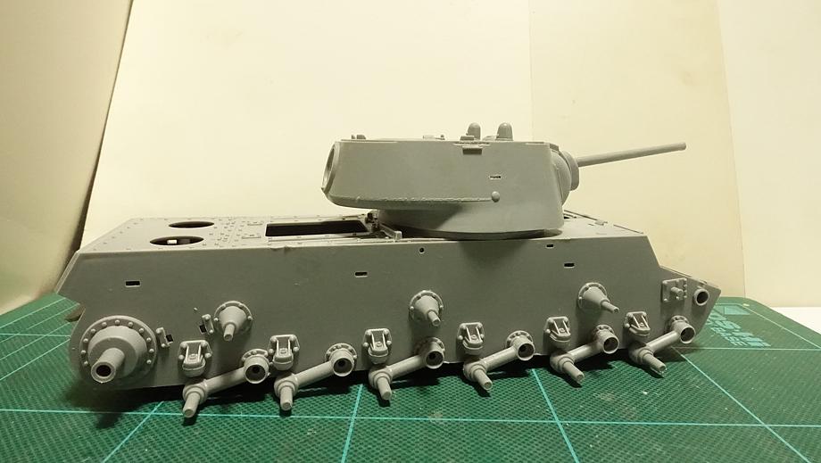 トランペッター ソ連軍 ソビエト軍 KV-1 重戦車 1942年型 軽量化鋳造砲塔 その3