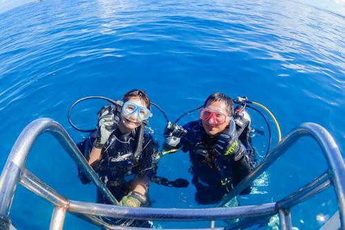 夏休みは体験ダイビング三昧!