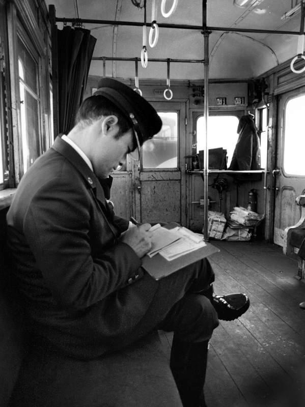 津軽鉄道 車内の車掌1 198年2月 日 16bitAdobeRGB原版 take1b