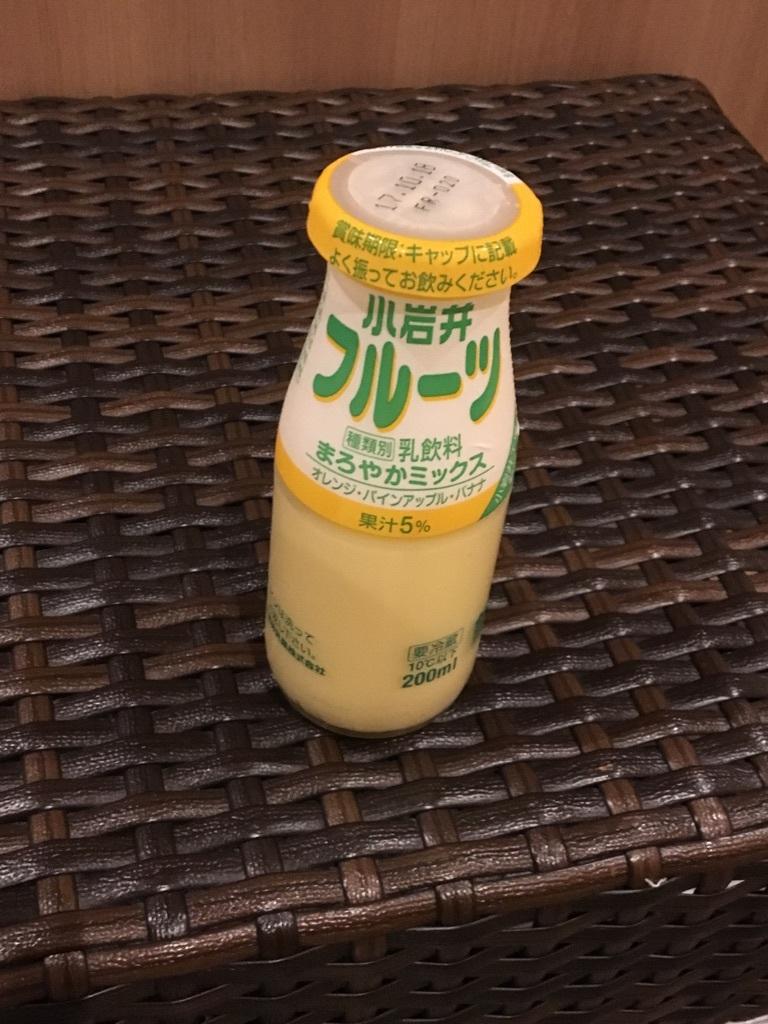 風呂上りのフルーツ牛乳