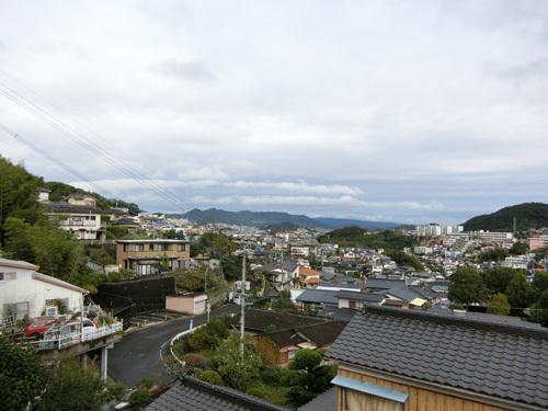 今日も曇り&小雨ですね。