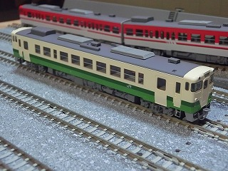 パーツ取付前のキハ40-2000 東北地域本社色②