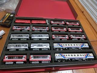 ブックケースに収納した「Bトレ 鹿島臨海鉄道」