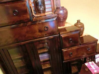かさの家さん階段棚