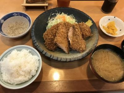 鮭・ロースかつ定食
