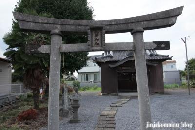 稲荷神社(久喜市久本寺)2