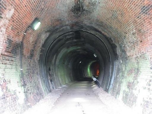第一隧道内部