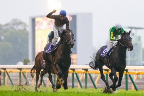 【天皇賞秋】キタサンブラックこれ史上最強馬だろwwwwwwww