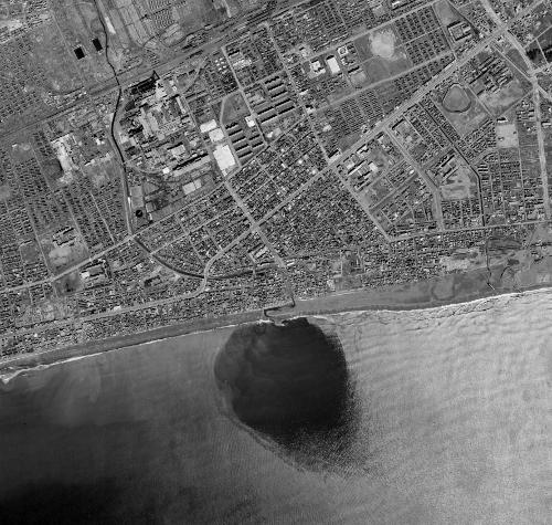 空中写真 1966年苫小牧 苫小牧川 河口