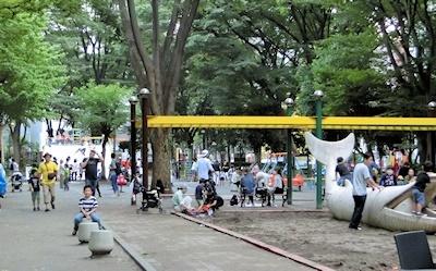 ちびっ子広場