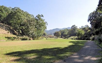 高松塚周辺芝生広場