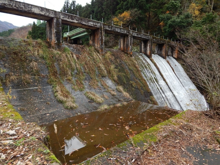 DSCN4078加茂水源池第一ダム