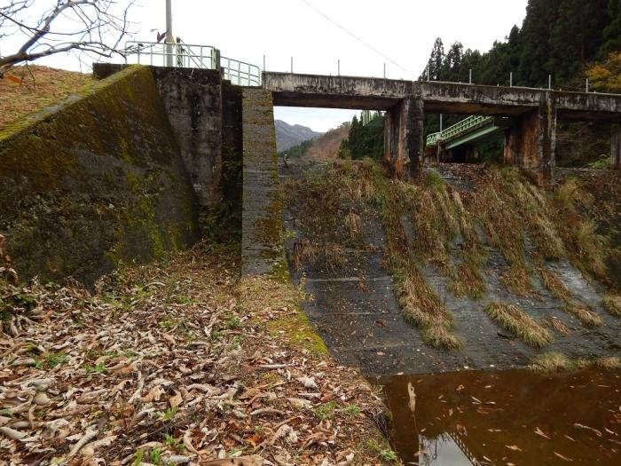 DSCN4079加茂水源池第一ダム