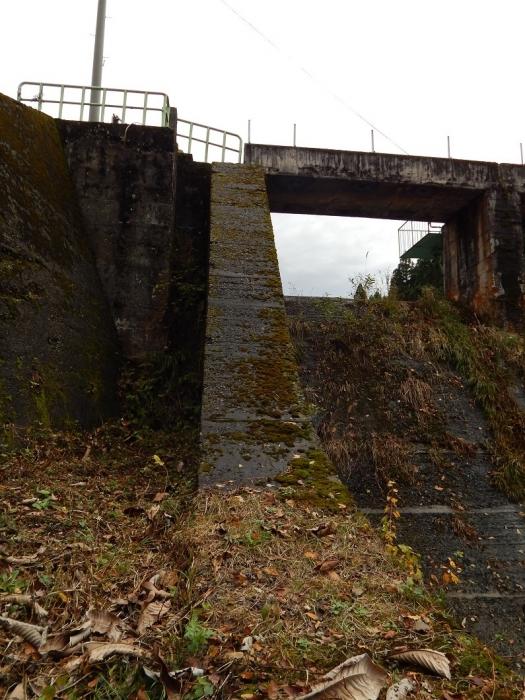 DSCN4089加茂水源池第一ダム