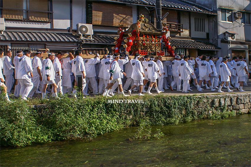 粟田神社 神輿2