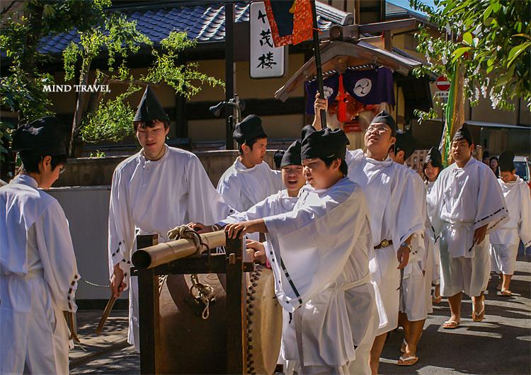 粟田神社 太鼓と猿田彦