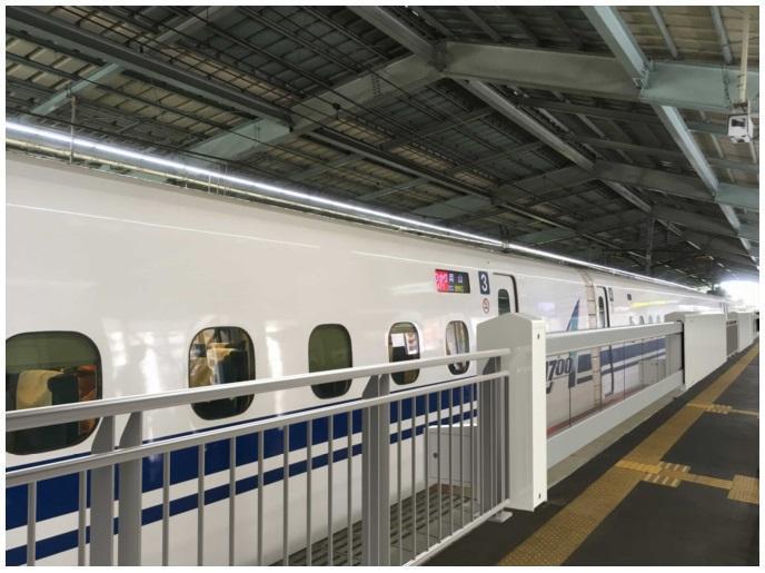 20170628新神戸駅ホーム柵
