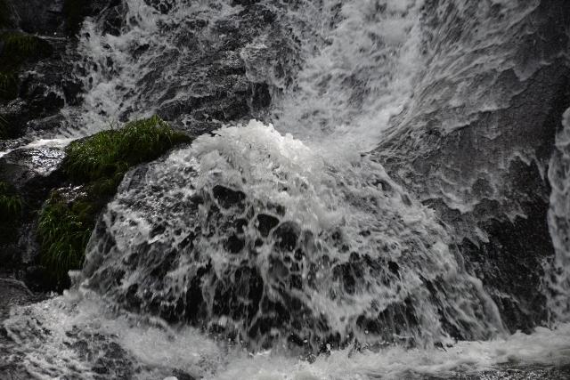 B20170826F_滝の流れ_FFF_0262