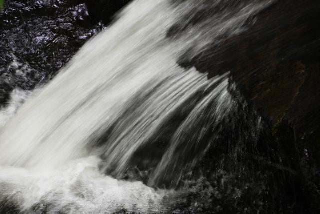 B20170826F_滝の流れ_FFF_0259