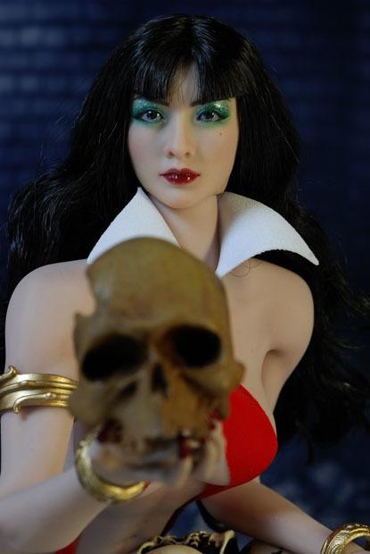 Vampirella0029.jpg