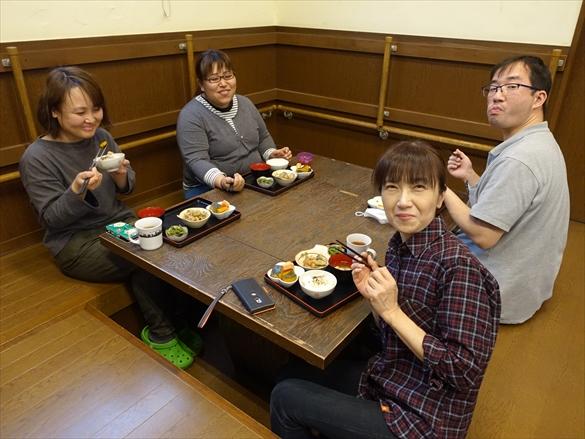 ラベ家の食卓1