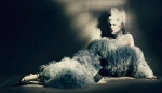 kate-moss-by-paolo-roversi-for-w-magazine まだ