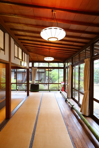 旧大隈重信邸・富士の間(広縁)