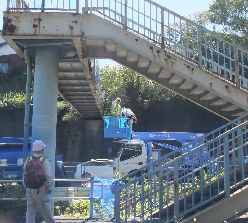 歩道橋の塗装工事1