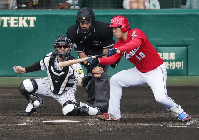 9月18日 阪神-広島 3回表 野村 スクイズ成功 追加点