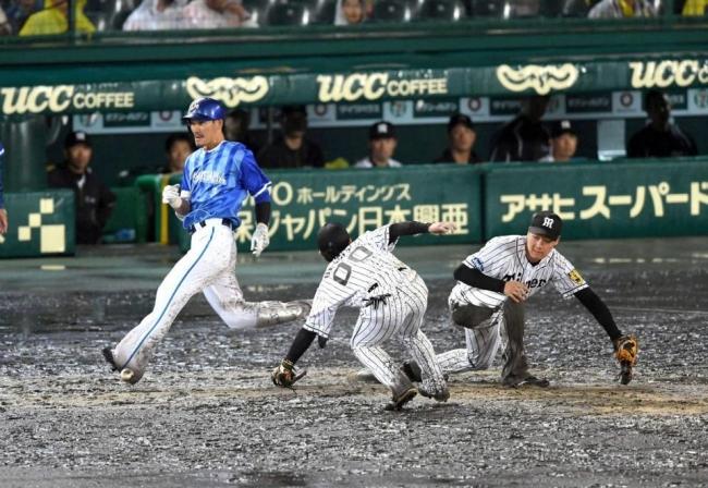 雨中の泥んこ甲子園でセCS第2戦