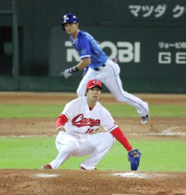 CSファイナル第二戦 5回2死満塁、野村は乙坂に中前適時打を打たれる