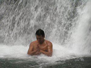 300 滝 禊