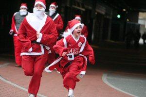 01 300 Santa running