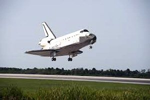 10 300 spaceshuttle landing