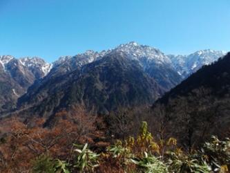 剱岳絶景。山頂から望む。(手前が早月尾根)