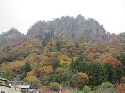 岩櫃山の大岩壁