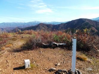鳴倉山から望む