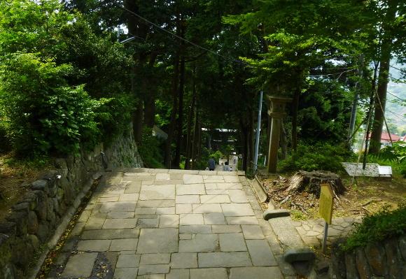 伊豆山神社02-18