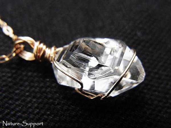 ハーキマーダイヤモンド18金ワイヤーペンダントトップ