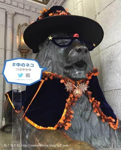 三越のライオン像の写真