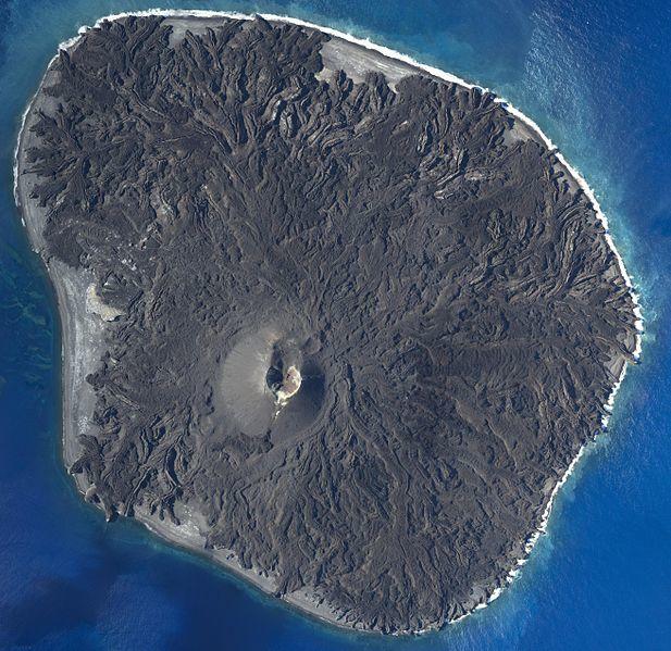西之島の爆発的噴火の瞬間を捉えた!こんなに激しく噴火していたのかよ...その姿がこちら →