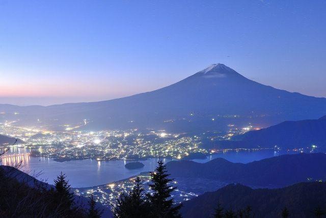 【雪化粧】台風のせいで富士山の「雪」が無くなってしまった模様