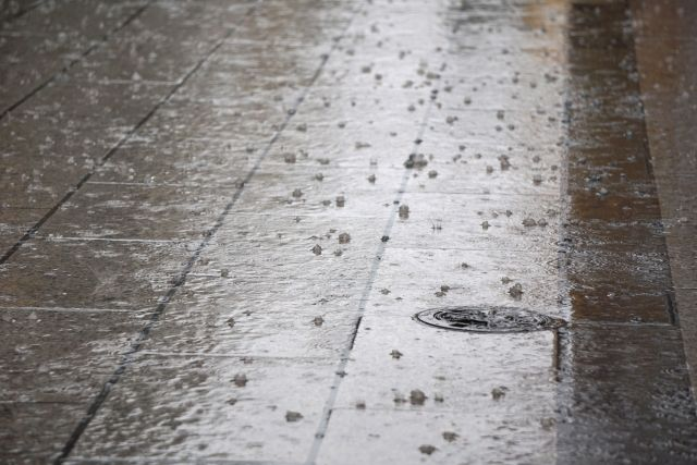 【嵐】東京にヤバいレベルの雹が降ってきて大騒ぎだったな