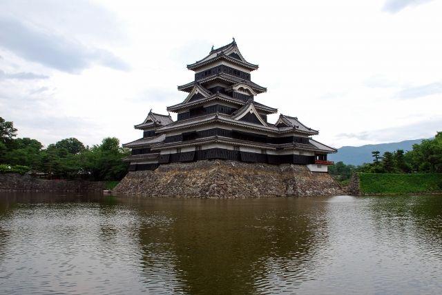 【フォッサマグナ】長野にある国宝・松本城「震度6強~7」の地震で倒壊する危険性…耐震工事を検討
