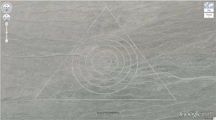 【砂漠】サウジアラビアに「謎の構造物」が「400」近くも…グーグルアースで複数確認