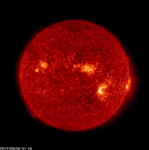 【磁気嵐】ヤバすぎ!太陽で「X9.3」の大規模フレアが発生した模様…電子機器の障害とかありそう