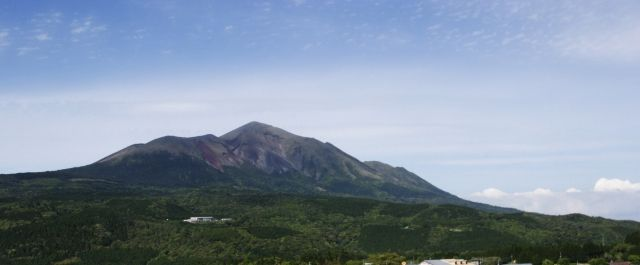 【霧島連山】 新燃岳が2011年9月7日以来、約6年ぶりに噴火…今後も爆発的噴火に警戒