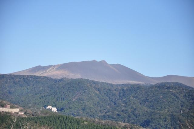 【霧島連山】新燃岳で火山性地震が増加…突発的な噴出に注意