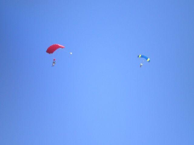【怪しい】埼玉県での「謎の光」の正体は、夜間にLEDをつけて飛んでいた「スカイダイビング」だった!