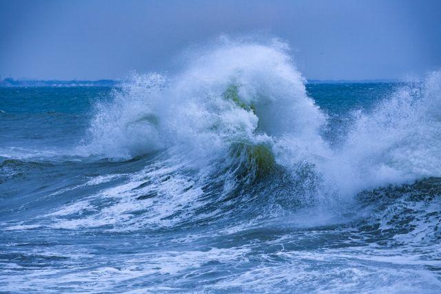 【海】ニュージーランド沖で「19.4メートル」の巨大な波を観測